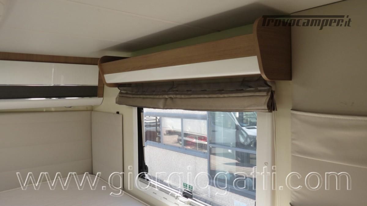 Camper Elnagh I-Loft 530 motorhome letti gemelli e garage usato  in vendita a Alessandria - Immagine 7