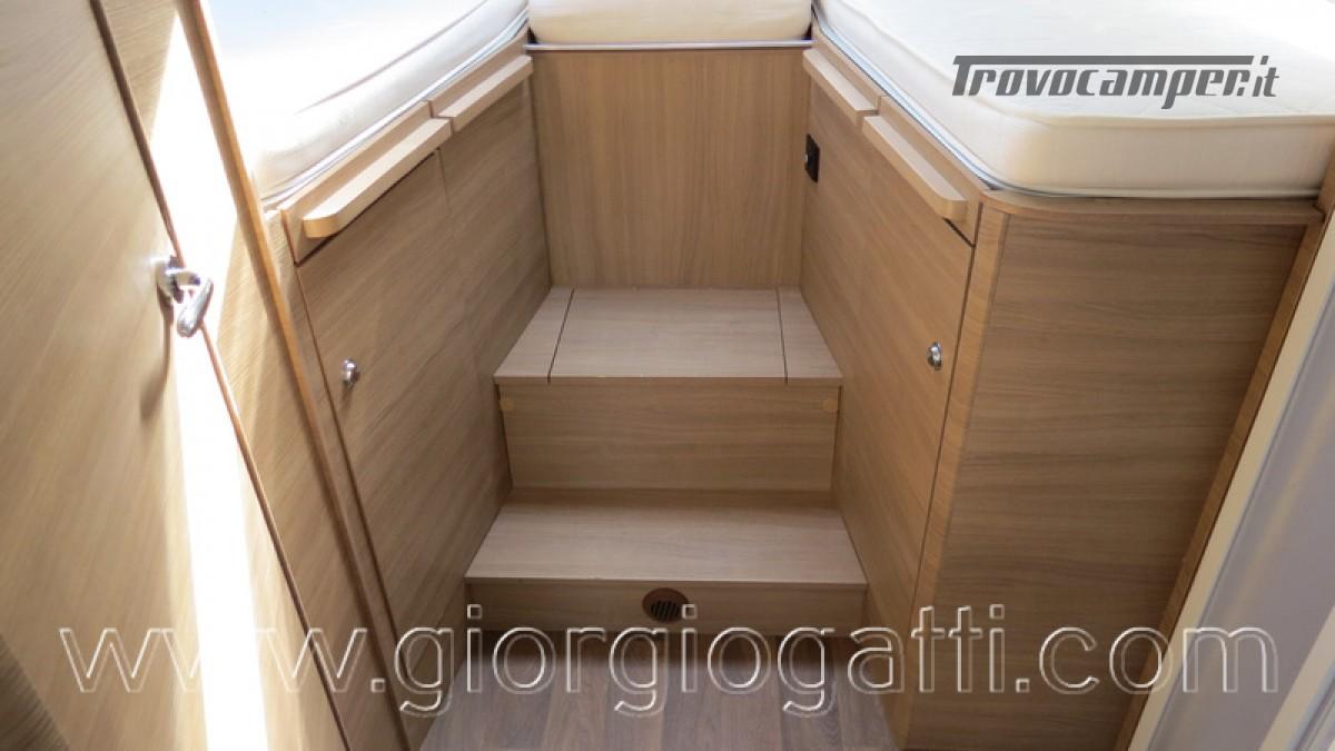 Camper Elnagh I-Loft 530 motorhome letti gemelli e garage usato  in vendita a Alessandria - Immagine 18