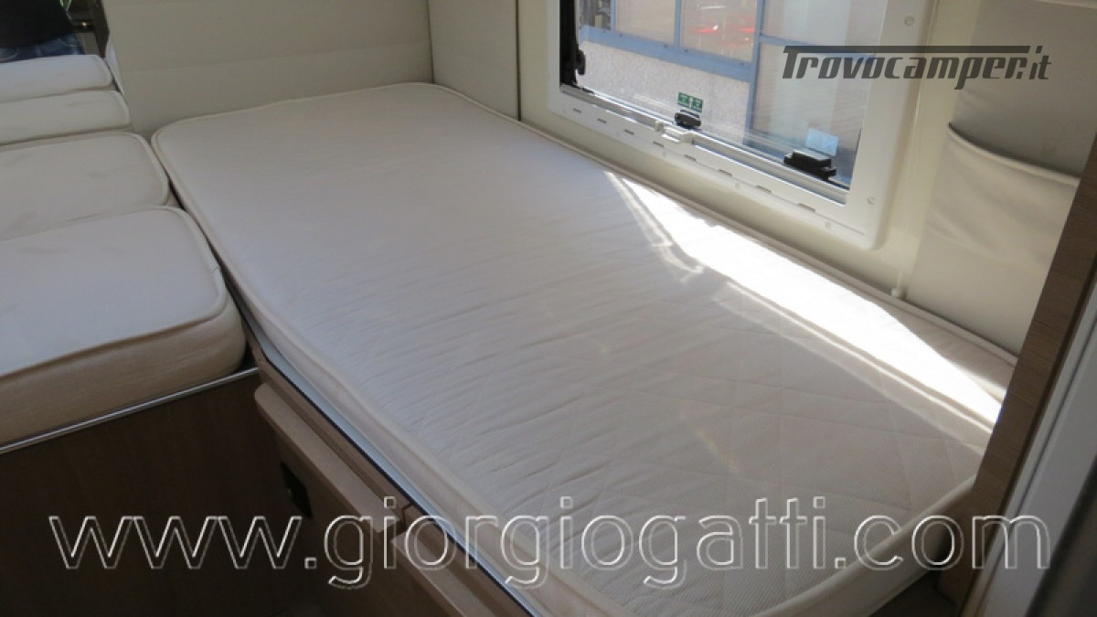 Camper Elnagh I-Loft 530 motorhome letti gemelli e garage usato  in vendita a Alessandria - Immagine 19