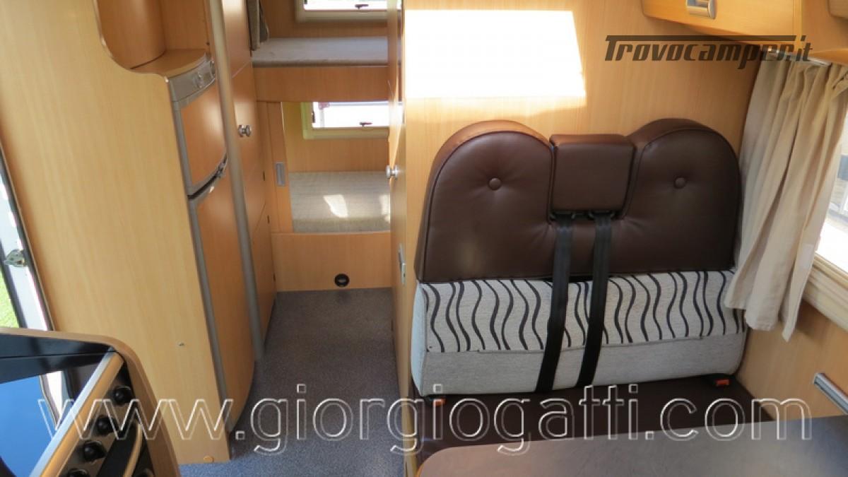 Camper Laika Kreos 3000 mansardato IVECO con garage usato  in vendita a Alessandria - Immagine 10