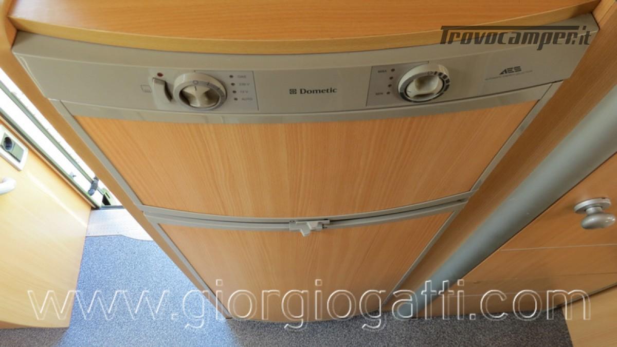 Camper Laika Kreos 3000 mansardato IVECO con garage usato  in vendita a Alessandria - Immagine 13