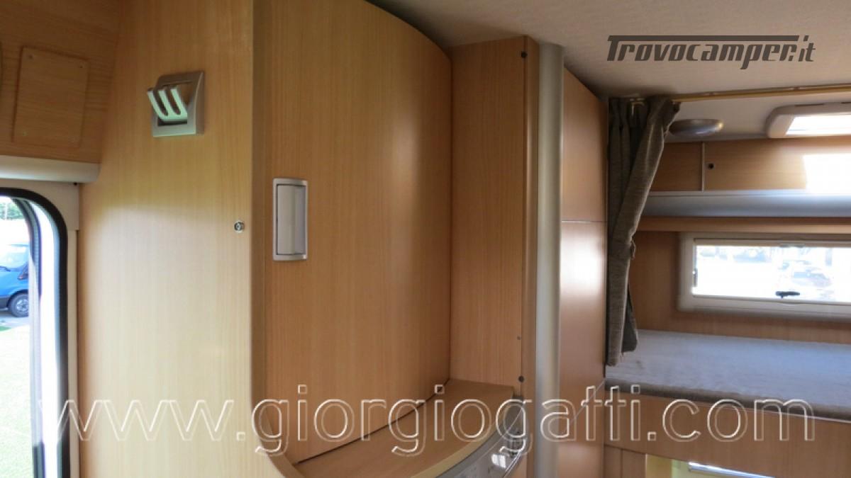 Camper Laika Kreos 3000 mansardato IVECO con garage usato  in vendita a Alessandria - Immagine 16