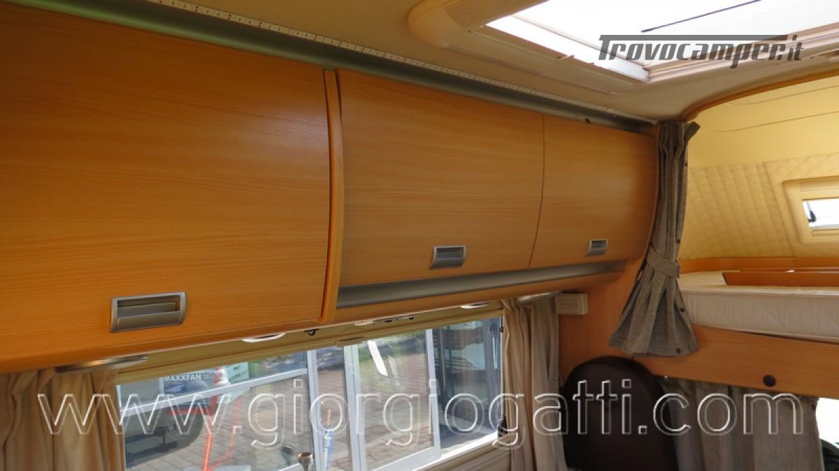 Camper Laika Kreos 3000 mansardato IVECO con garage usato  in vendita a Alessandria - Immagine 17