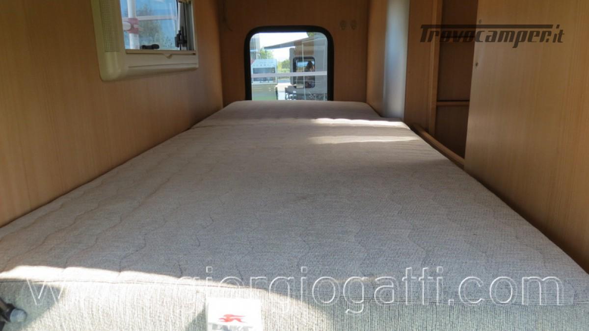 Camper Laika Kreos 3000 mansardato IVECO con garage usato  in vendita a Alessandria - Immagine 21