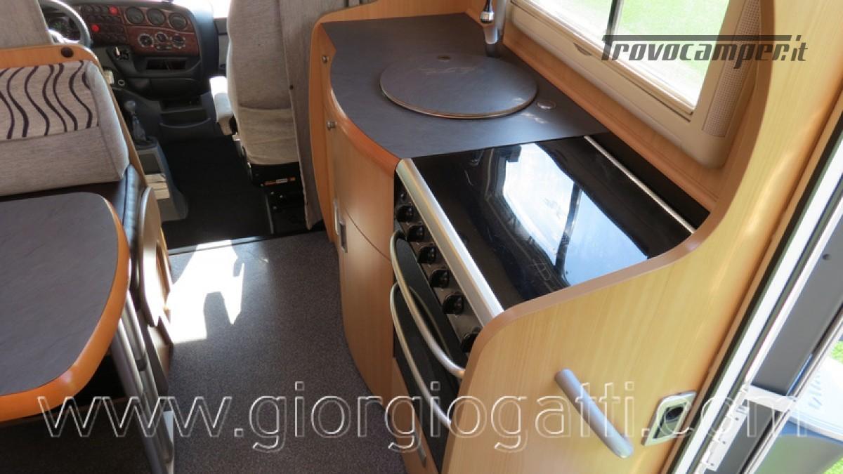 Camper Laika Kreos 3000 mansardato IVECO con garage usato  in vendita a Alessandria - Immagine 26