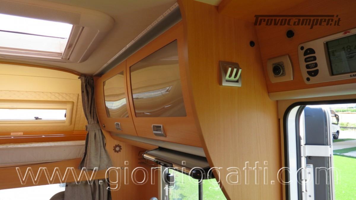 Camper Laika Kreos 3000 mansardato IVECO con garage usato  in vendita a Alessandria - Immagine 28