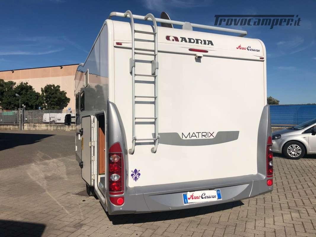 Semintegrale con Basculante Adria Matrix Plus 680SP usato  in vendita a Firenze - Immagine 3
