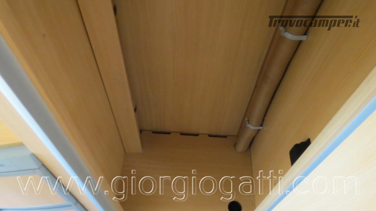 Camper Laika Kreos 3001 mansardato IVECO Daily 177cv usato  in vendita a Alessandria - Immagine 2