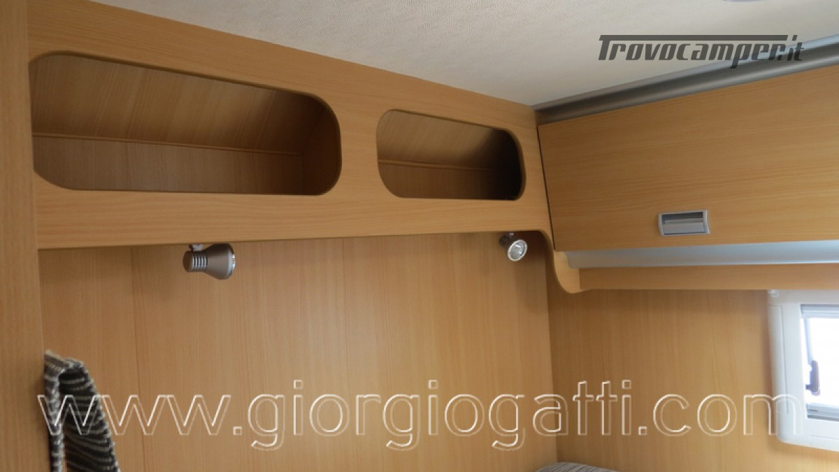Camper Laika Kreos 3001 mansardato IVECO Daily 177cv usato  in vendita a Alessandria - Immagine 4