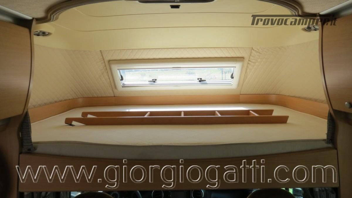 Camper Laika Kreos 3001 mansardato IVECO Daily 177cv usato  in vendita a Alessandria - Immagine 5