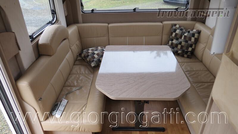 Caravan Burstner Averso Plus 510 TK camperizzata usato  in vendita a Alessandria - Immagine 4