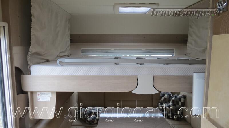Caravan Burstner Averso Plus 510 TK camperizzata usato  in vendita a Alessandria - Immagine 6