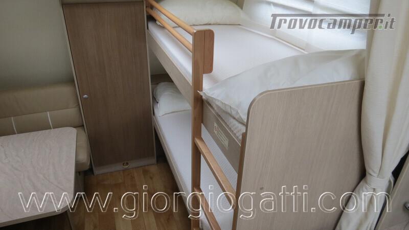 Caravan Burstner Averso Plus 510 TK camperizzata usato  in vendita a Alessandria - Immagine 8