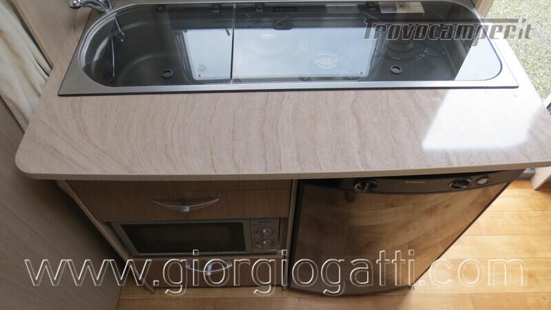 Caravan Burstner Averso Plus 510 TK camperizzata usato  in vendita a Alessandria - Immagine 11