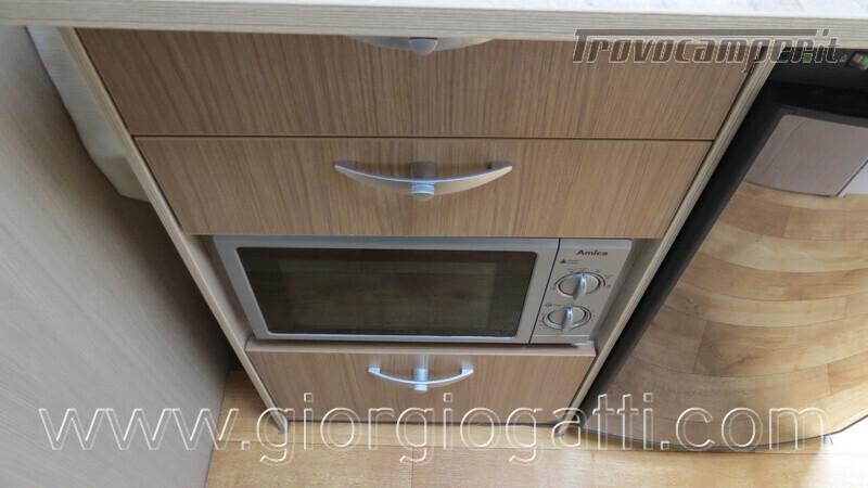 Caravan Burstner Averso Plus 510 TK camperizzata usato  in vendita a Alessandria - Immagine 12