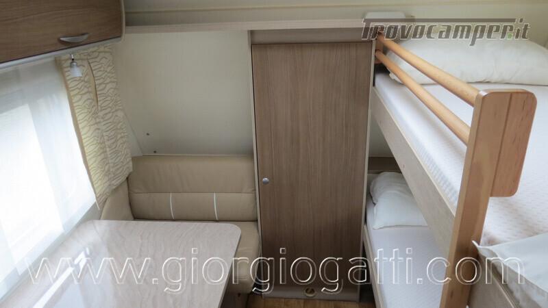 Caravan Burstner Averso Plus 510 TK camperizzata usato  in vendita a Alessandria - Immagine 16