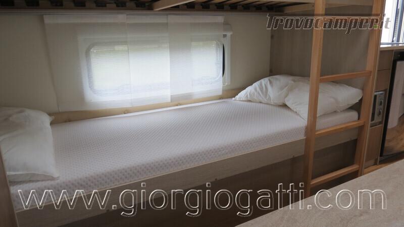 Caravan Burstner Averso Plus 510 TK camperizzata usato  in vendita a Alessandria - Immagine 19