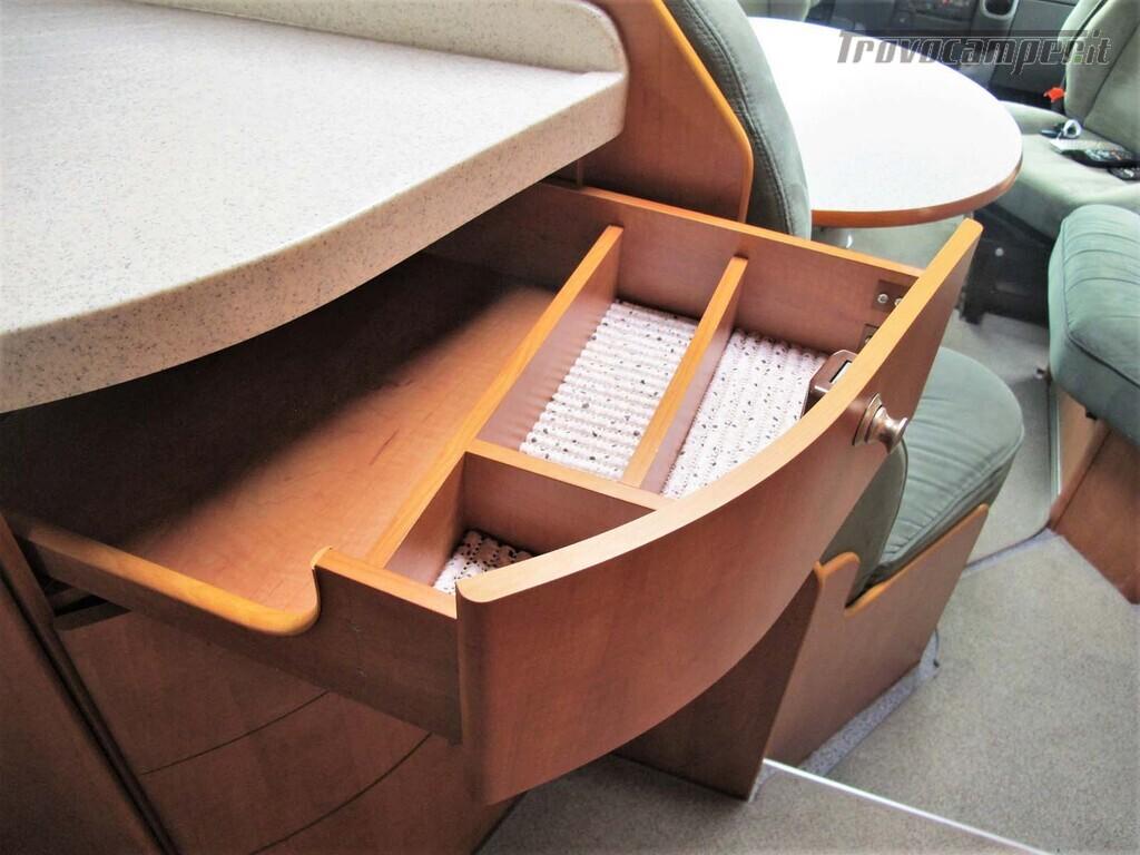 Carthago Chic I 47 - Motorhome letto matrimoniale, Patente C usato  in vendita a Torino - Immagine 7