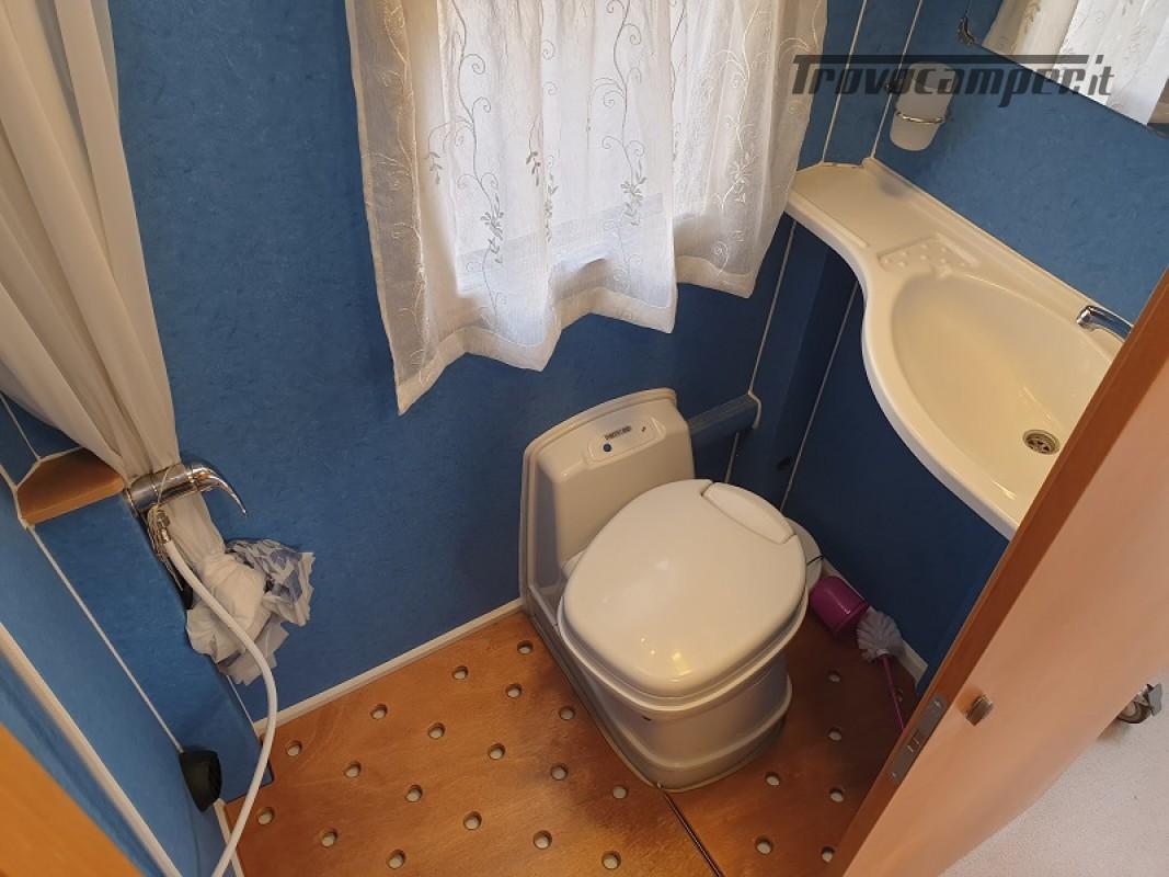 Camper per Disabili 3 Posti con pedana e sollevatore + garage usato  in vendita a Vicenza - Immagine 16