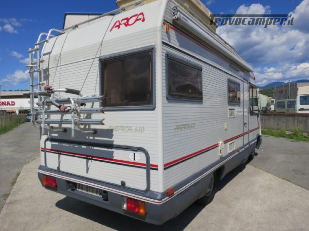 Motorhome ARCA America 610 Mansardato 6 posti lett usato  in vendita a Massa-Carrara - Immagine 5
