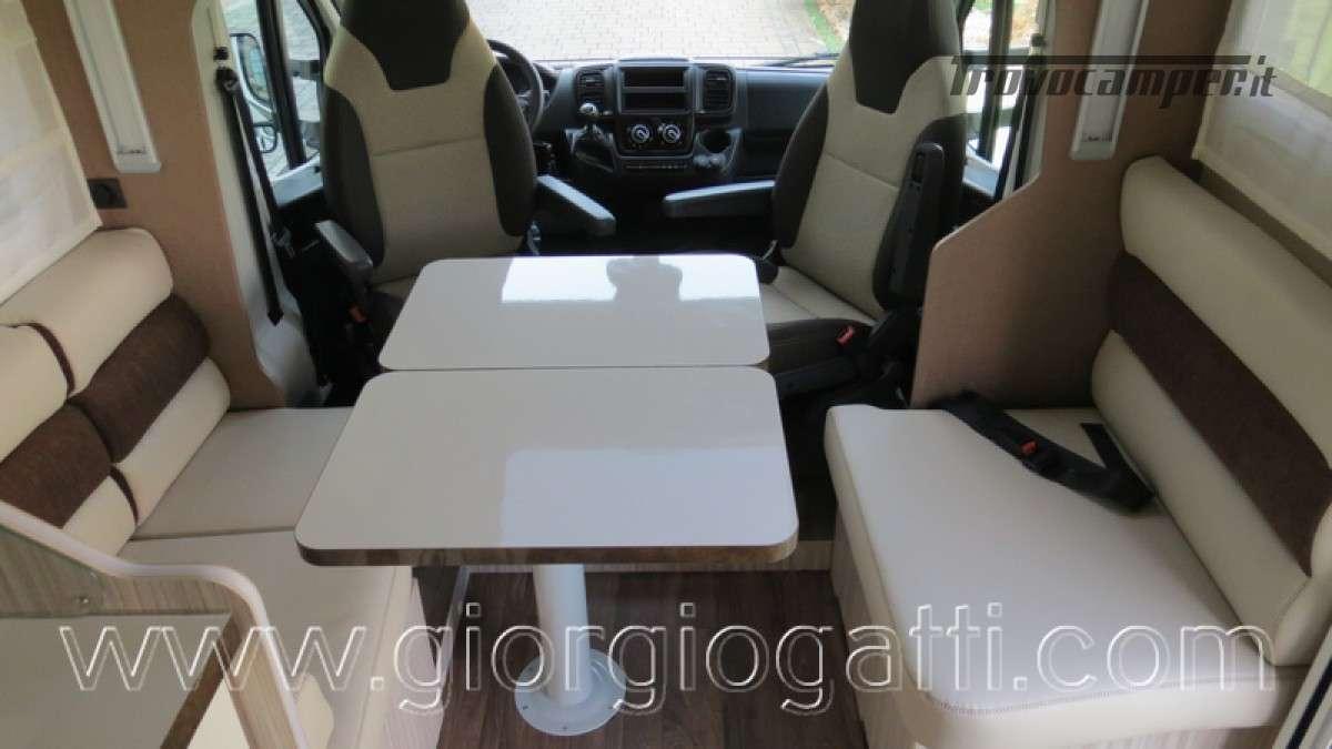 Camper Elnagh T-Loft 582 semintegrale con letto centrale e garage nuovo ducato nuovo  in vendita a Alessandria - Immagine 5