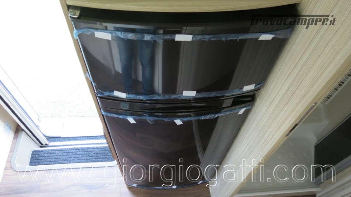 Camper Elnagh T-Loft 582 semintegrale con letto centrale e garage nuovo ducato nuovo  in vendita a Alessandria - Immagine 12