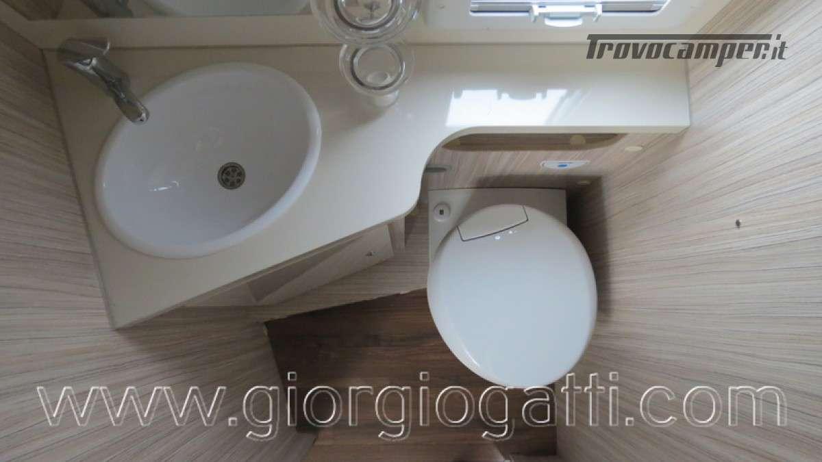 Camper Elnagh T-Loft 582 semintegrale con letto centrale e garage nuovo ducato nuovo  in vendita a Alessandria - Immagine 20