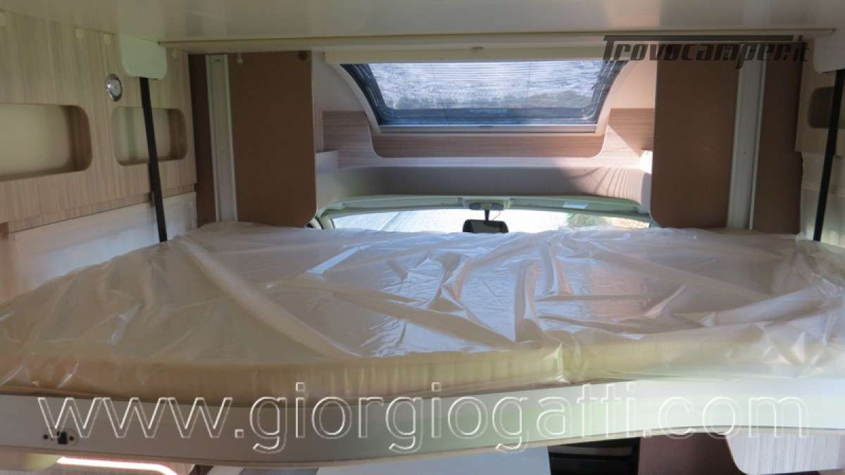 Camper Elnagh T-Loft 582 semintegrale con letto centrale e garage nuovo ducato nuovo  in vendita a Alessandria - Immagine 23