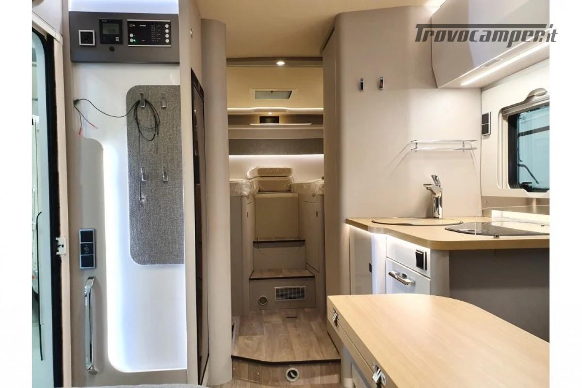 SEMINTEGRALE KM 0 HYMER TRAMP S 685 CON  LETTI GEMELLI SU GARAGE, MECCANICA MB nuovo  in vendita a Milano - Immagine 12