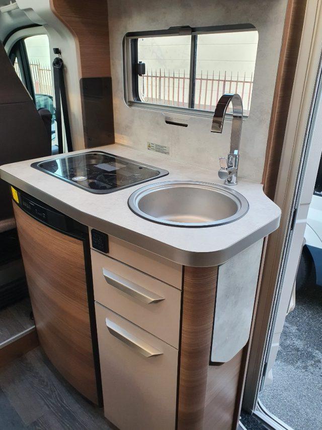 Semintegrale KNAUS VAN TI 550 MF VANSATION NUOVO SEMI nuovo  in vendita a Bergamo - Immagine 47