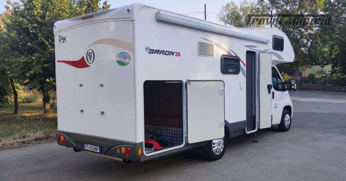 Elnagh Baron 26G - Mansardato Garage grande usato  in vendita a Piacenza - Immagine 2