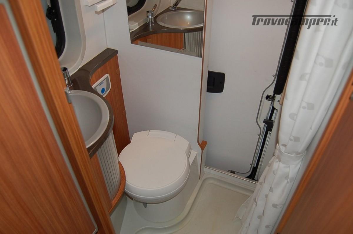 Furgonato van 4 posti letto ADRIA TWIN 4 usato  in vendita a Milano - Immagine 6
