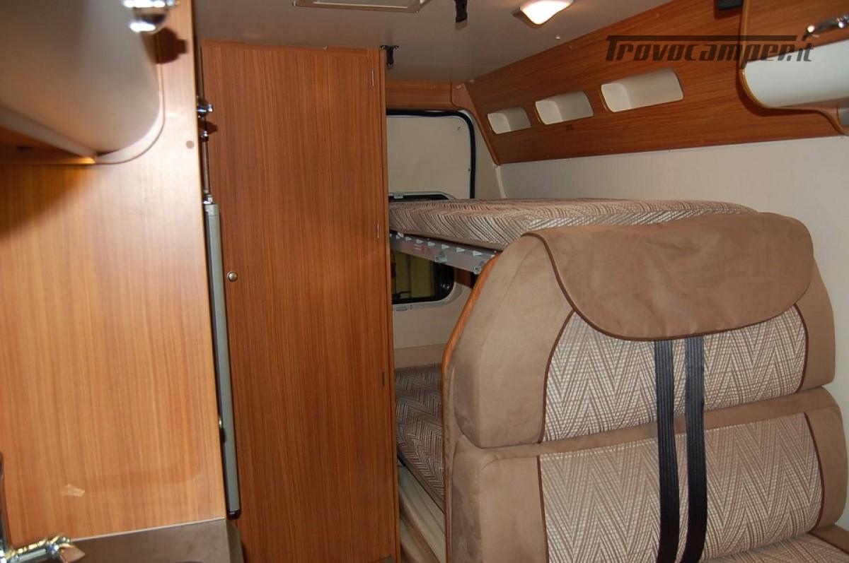 Furgonato van 4 posti letto ADRIA TWIN 4 usato  in vendita a Milano - Immagine 5
