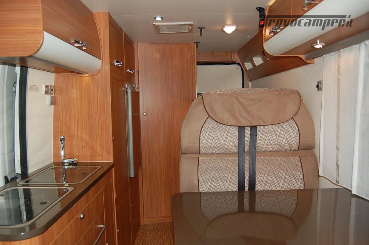 Furgonato van 4 posti letto ADRIA TWIN 4 usato  in vendita a Milano - Immagine 4