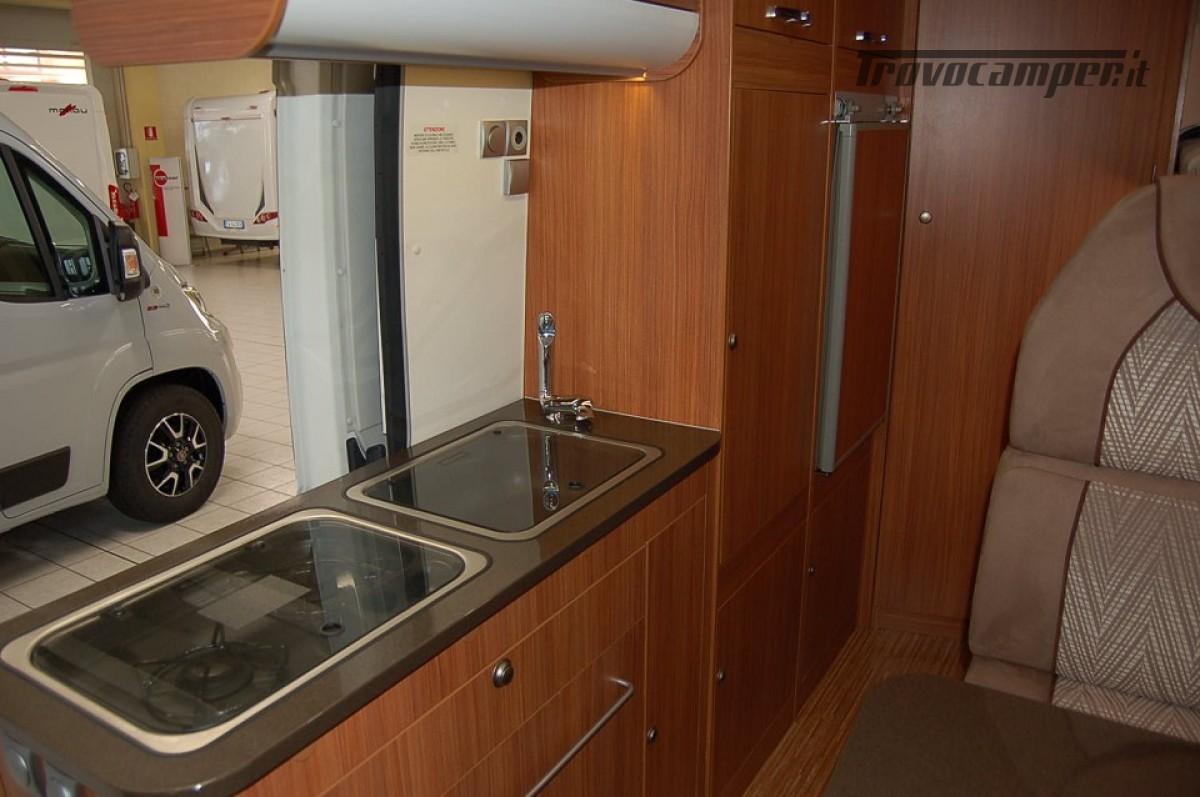 Furgonato van 4 posti letto ADRIA TWIN 4 usato  in vendita a Milano - Immagine 7