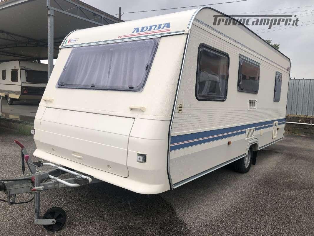 Caravan Adria 502 DK, 5 posti letto usato  in vendita a Perugia - Immagine 1